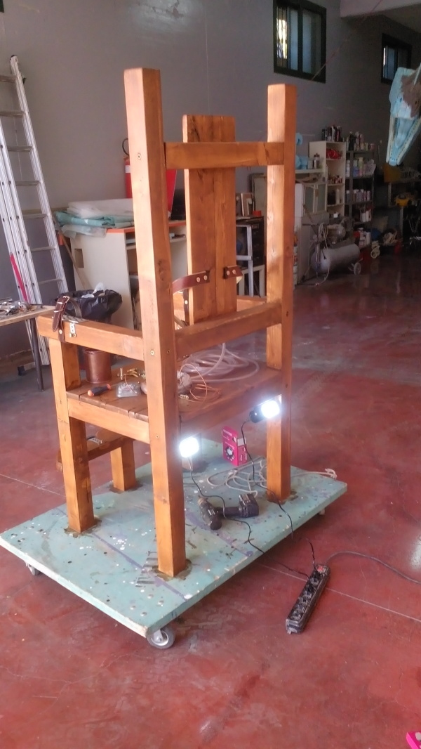 horror experience sedia elettrica the props maker