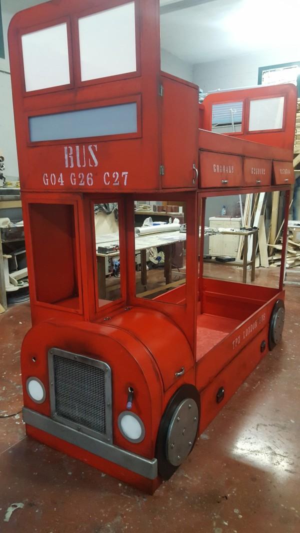 Letto A Castello A Forma Di Autobus.Letto A Castello Autobus Cameretta London The Props Maker